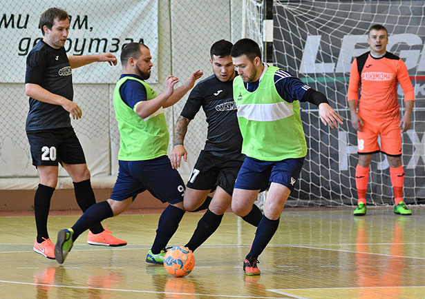 Футбольна команда Winner